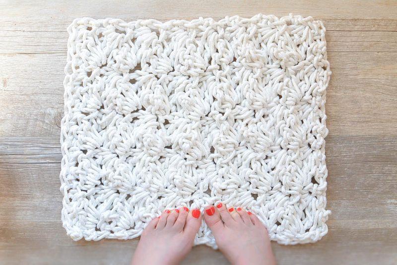 Ажурные коврики крючком в ванную комнату
