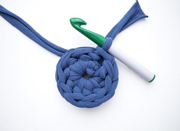 Круглый коврик крючком-свяжите первый круг