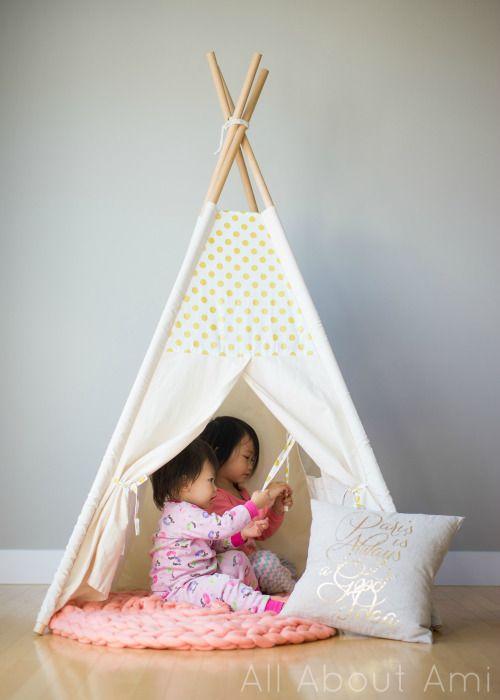 Объемный коврик крючком для детских игр