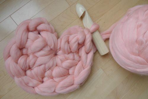 Объемный коврик крючком-начало первого способа плетения