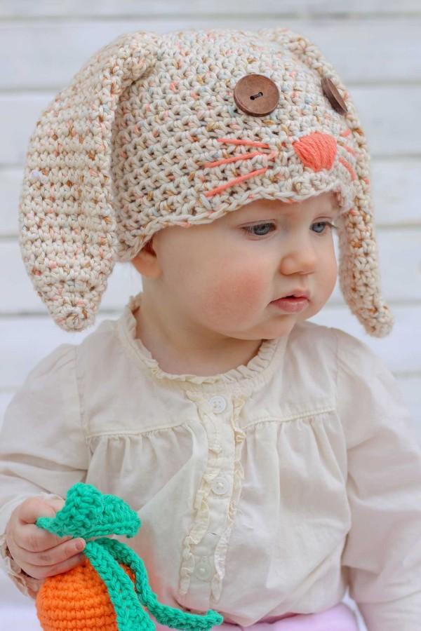 Детская шапочка крючком Зайчик