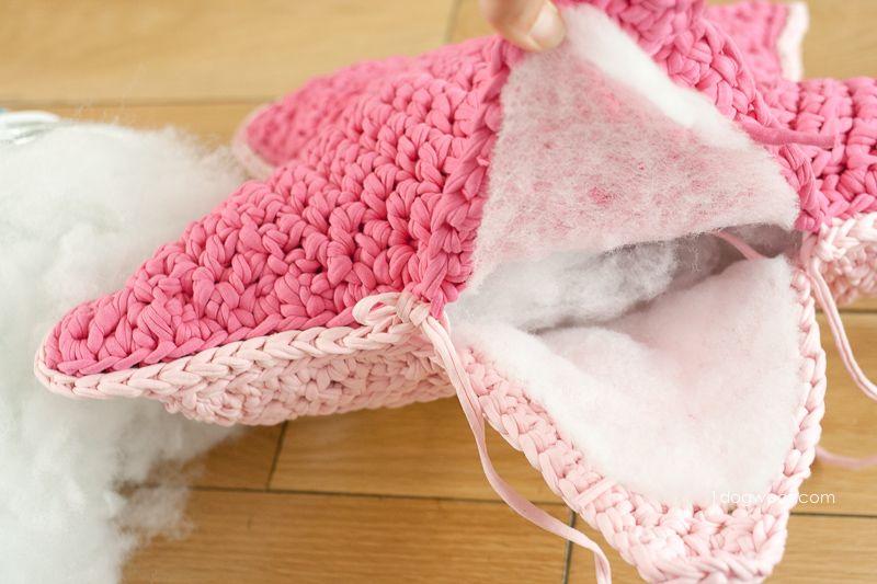 Подушка крючком-заполните подушку наполнителем