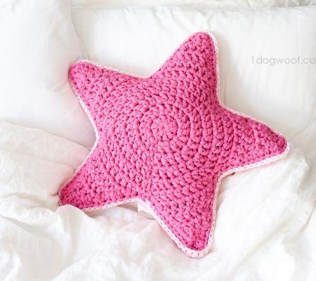 как связать подушку звезда крючком