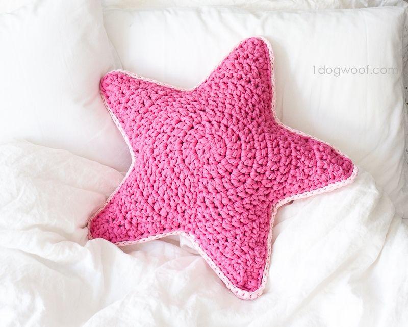 Как связать подушку звезда крючком?