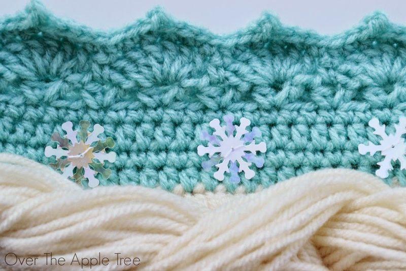 Шапка парик крючком-добавьте снежинки